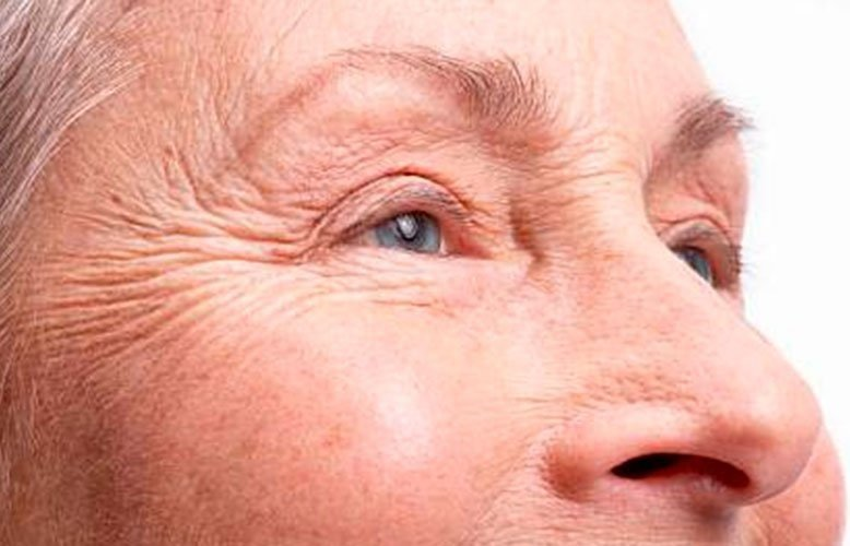estético para na testa ao redor dos olhos pepino para